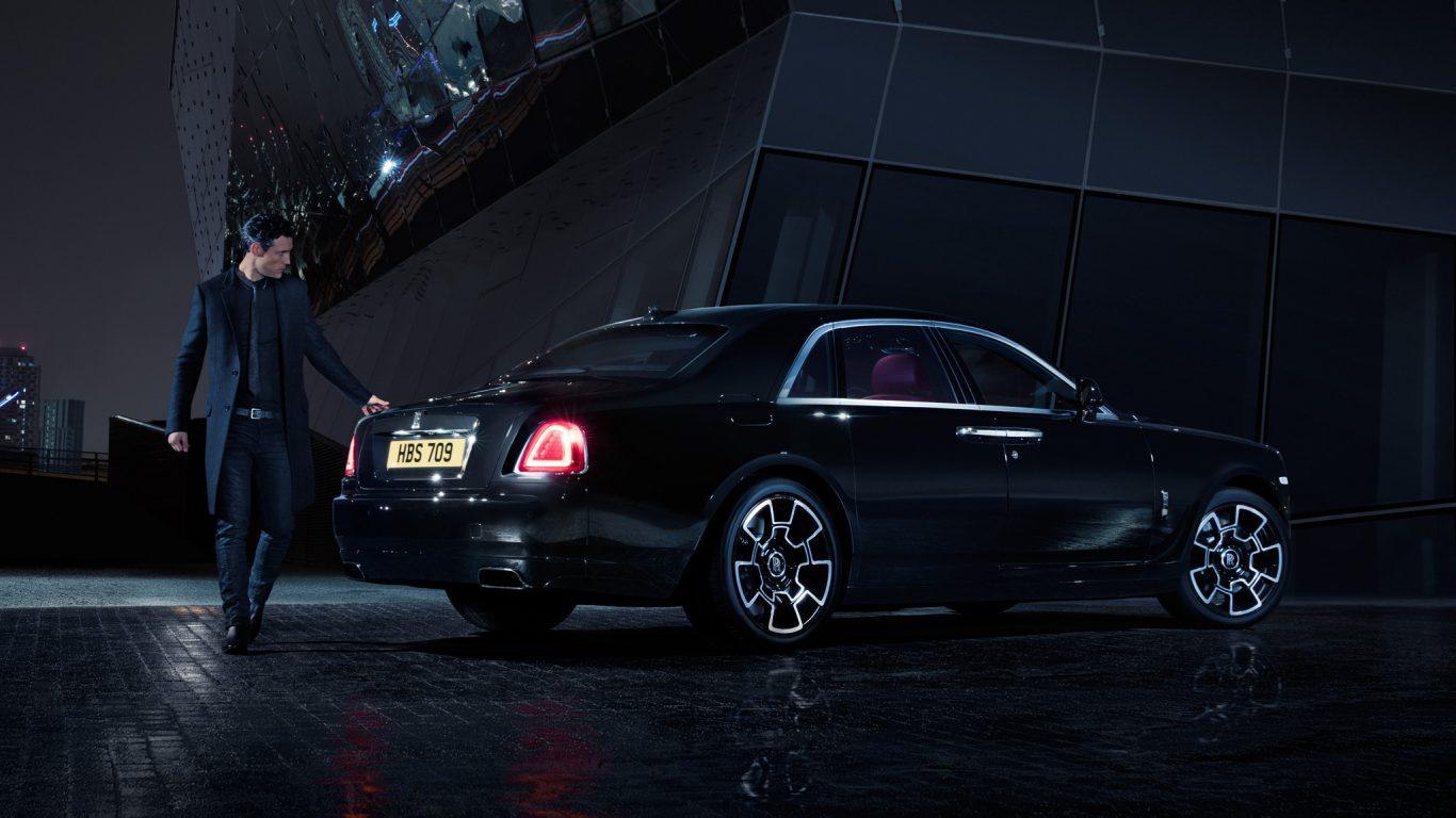 2017-Rolls-Royce-Ghost-Series-ii-black-badge-back