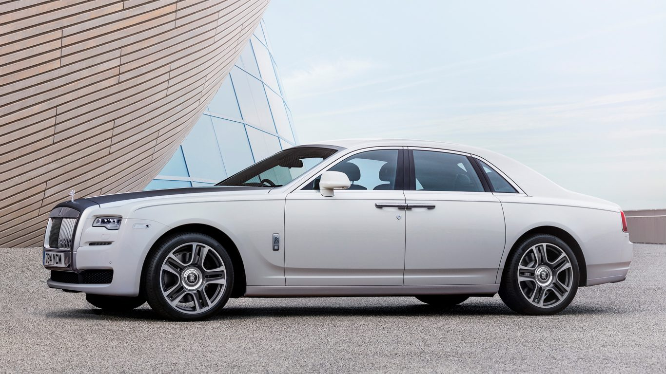 2017-Rolls-Royce-Ghost-Series-ii-look-book-2