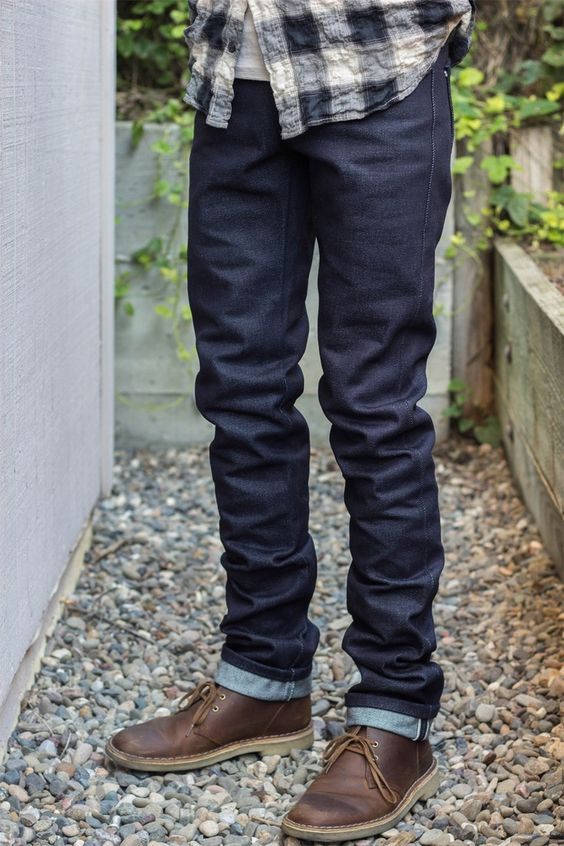 How to Wear Dark Blue Pants
