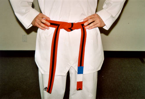 how-to-tie-a-taekwondo-belt
