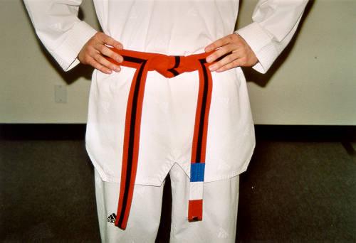 how-to-tie-a-taekwondo-belt