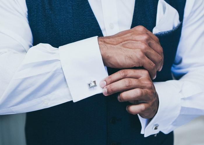 how to wear cufflinks